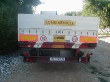 un camion visto da dietro