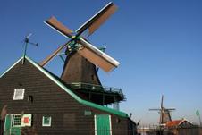 fattoria olandese con mulino