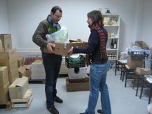 la consegna delle cassette di frutta nel gas di agraria