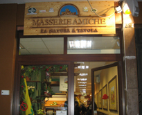 l'insegna Masserie Amiche del farmer's market di Bari
