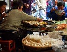 cibo di strada a base di tofu in cina