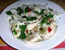 una preparazione dello stocco in insalata
