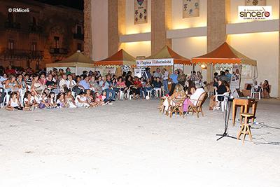 Notte bianca in piazza della Vittoria a Sambuca di Sicilia