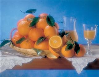 Arance di Ribera e bicchieri di spremuta