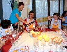 i partecipanti a tavola