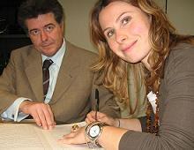 Maria Elena Manzini firma la costituzione della Compagnia