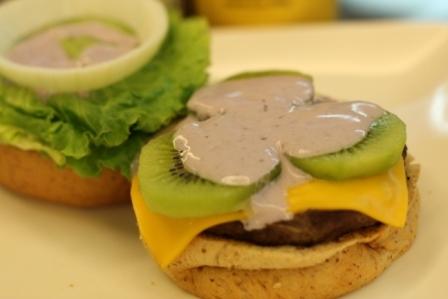 kiwi burger in primo piano