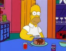 homer simpson mangia dei pancakes