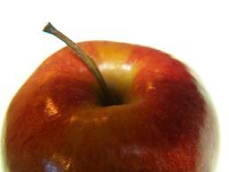 una mela: meglio mangiare un frutto!