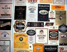 varie etichette di whisky