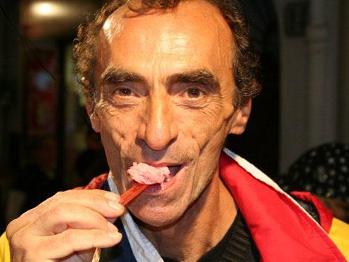 Martino mangia il gelato