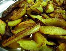 piatto di patate arrosto
