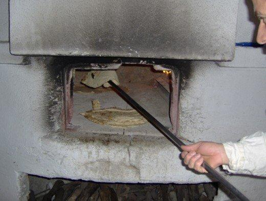 il fornaio gira velocemente gli strati