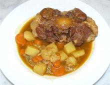 oxtail soup (zuppa di coda di bue)