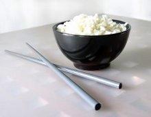 ciotola di riso e bacchette