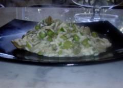 piatto di risotto di aprile