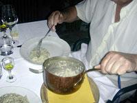 preparazione del risotto alla parmigiana