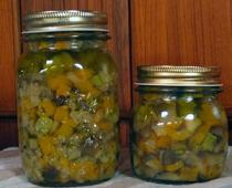 barattoli di verdure sottolio