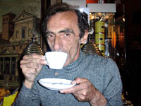 martino beve un caffè al sant'eustachio a roma