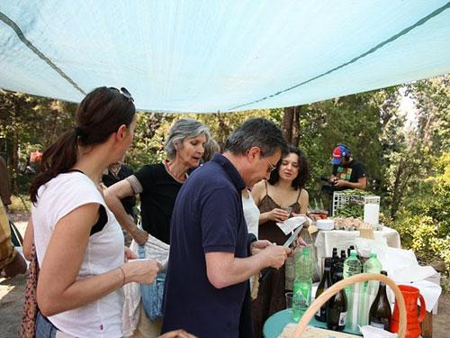 partecipanti alla festa all'orto dei giusti