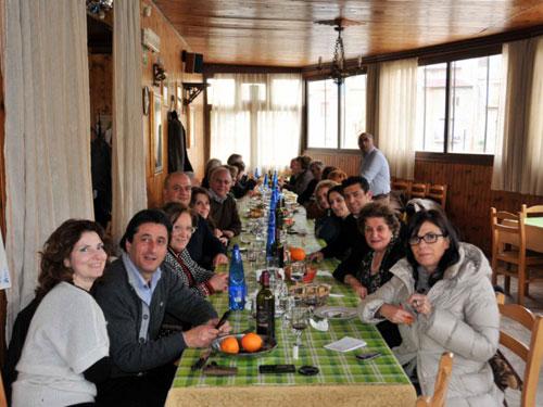 tavolata al ristorante garella