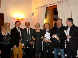 foto di gruppo con Martino e gli ospiti