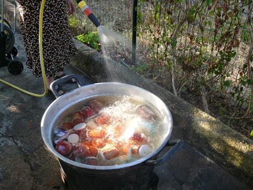la cottura a bagnomaria dei barattoli