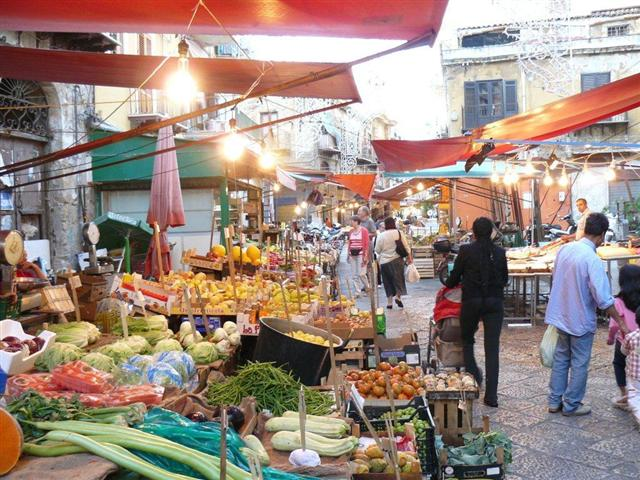 banchi del mercato del Capo