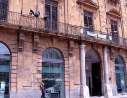 La facciata di Palazzo Riso a Palermo