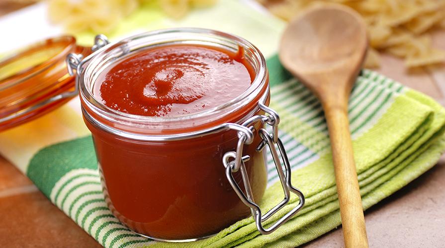 fare salsa di pomodoro passata