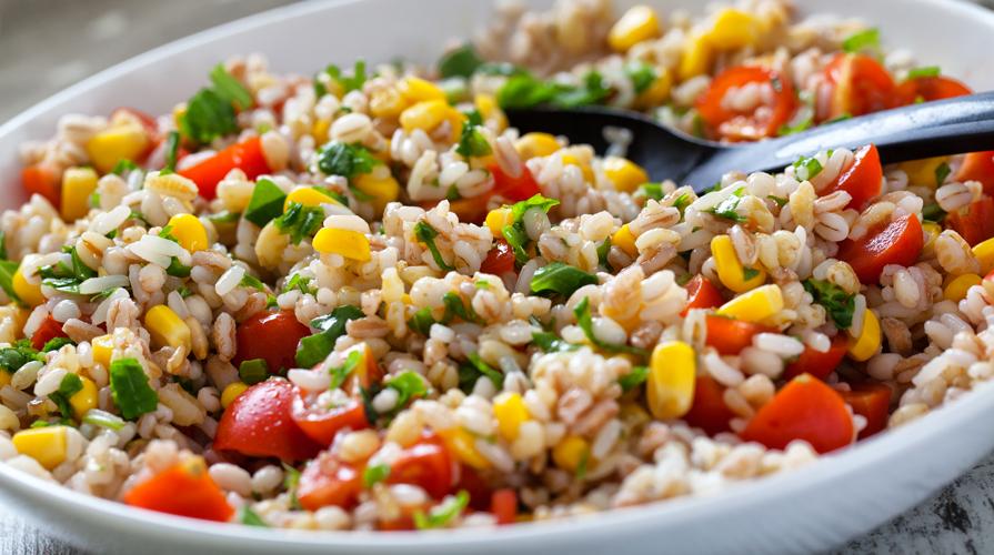 Ricetta insalata di farro vegetariana giornale del cibo - Ensalada de arroz light ...