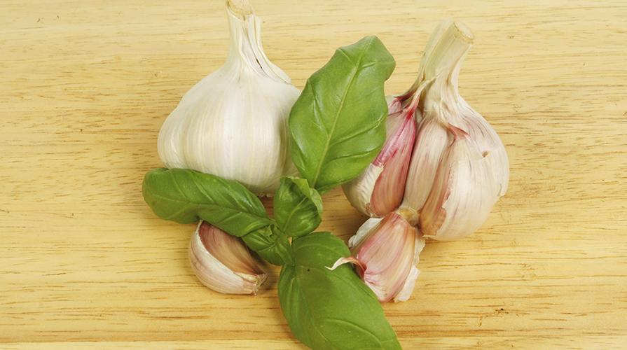 olio-all-aglio-e-basilico