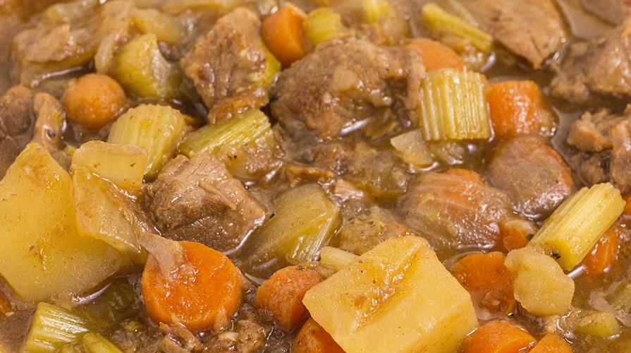 spezzatino-di-mucco-con-patate-alla-pisana