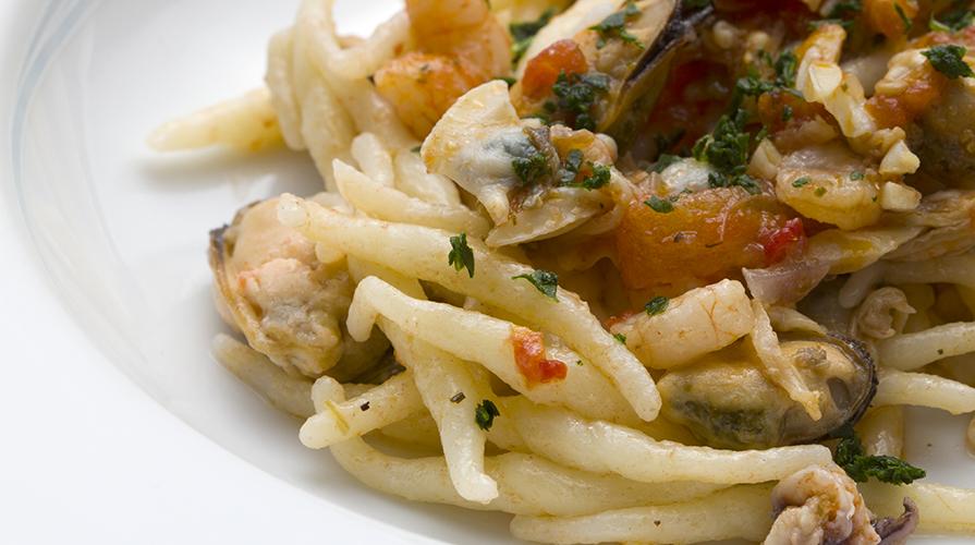 trofiette-al-sapore-di-mare-con-pomodorini-confit