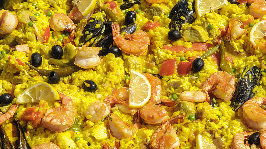 ricetta-paella-con-carne-pesce-e-verdure