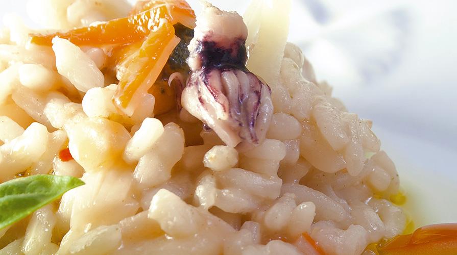 risotto-con-seppioline-vongole-e-surimi