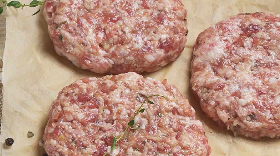 hamburger-di-maiale-al-timo-in-barchetta-di-patate