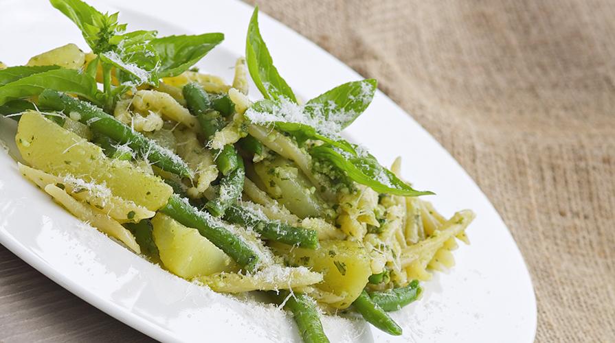 trofie-con-asparagi-e-uovo-sbattuto