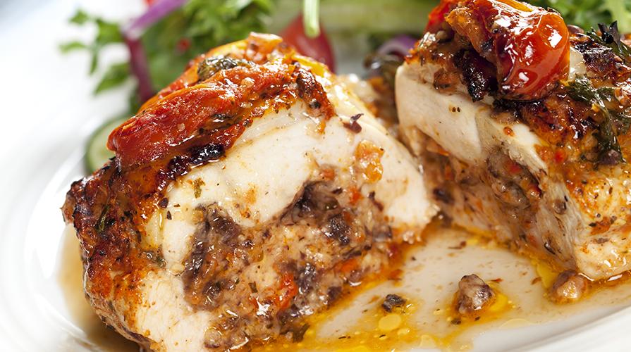 petto-di-pollo-ripieno-con-salsa-di-uva-bianca