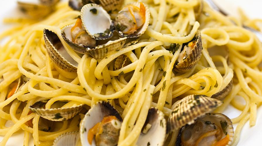 spaghetti-ai-frutti-di-mare-in-cartoccio