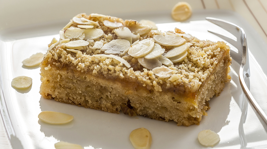 torta-di-mandorle-ripiena-alla-sarda