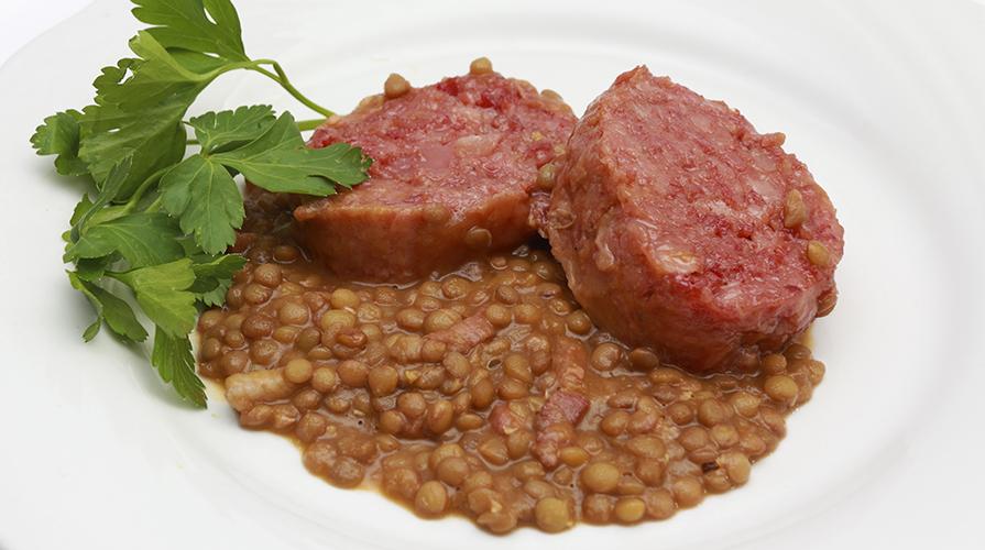 vellutata-di-lenticchie-con-cotechino-croccante
