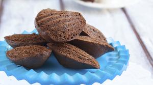 madeleines-al-cioccolato-e-granella-di-nocciola