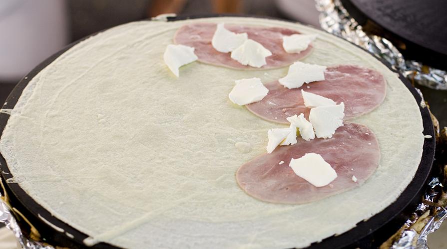 crespelle-al-prosciutto-cotto-e-mozzarella