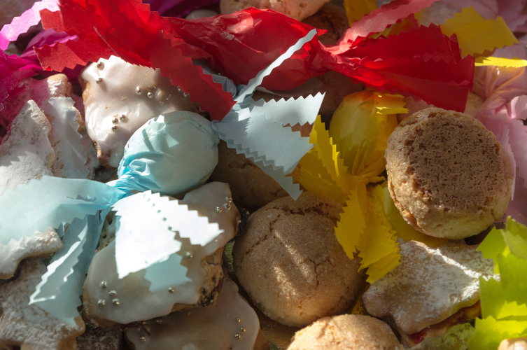 dolcetti sardi di mandorle pilichittos