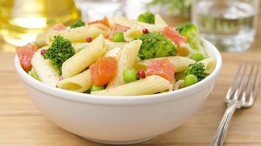 pasta-con-i-broccoli-romani-e-salmone