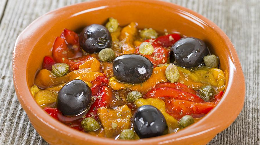 ricetta-peperoni-con-capperi-e-olive