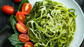 Spaghetti con pesto di spinaci