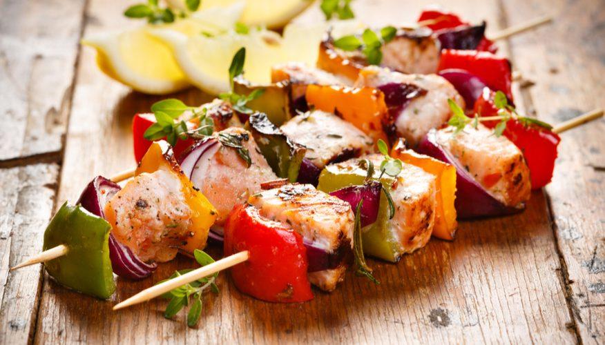spiedini pesce spada e verdure