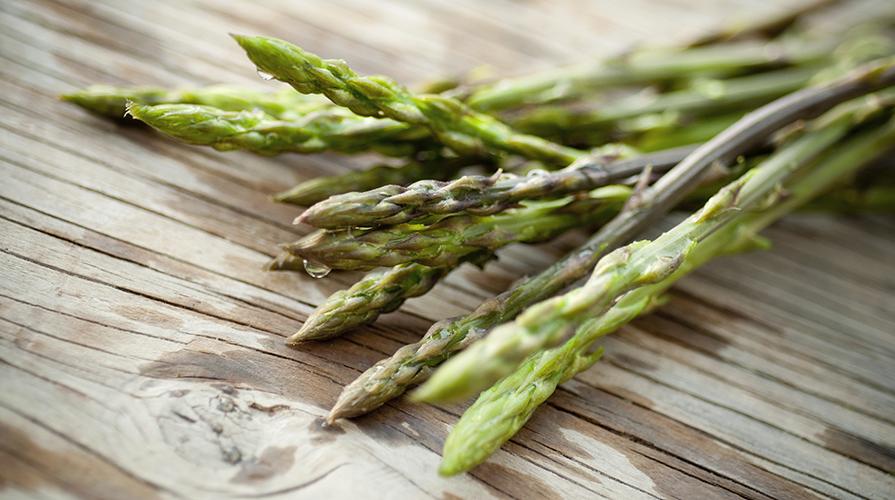 minestrina-in-brodo-di-asparagi-di-bosco